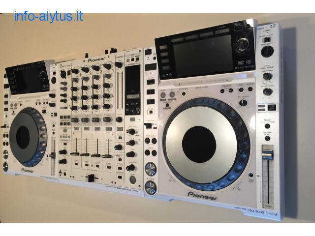 2x Pioneer CDJ-2000 Nexus + 1x DJM-900 Nexus